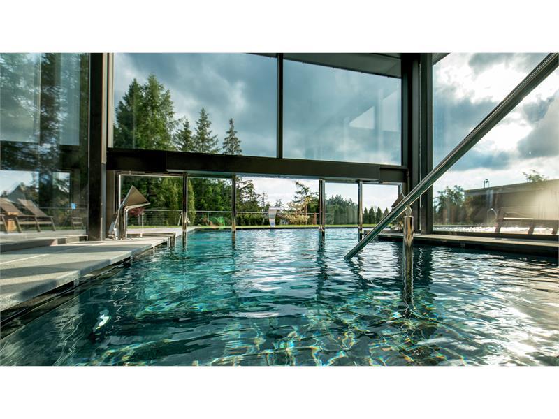 Indoor- und Outdoorpool - Josef Mountain Resort