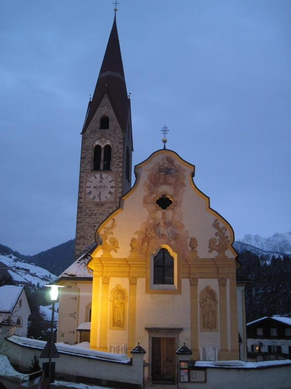 Pieve di Marebbe/Enneberg and its church