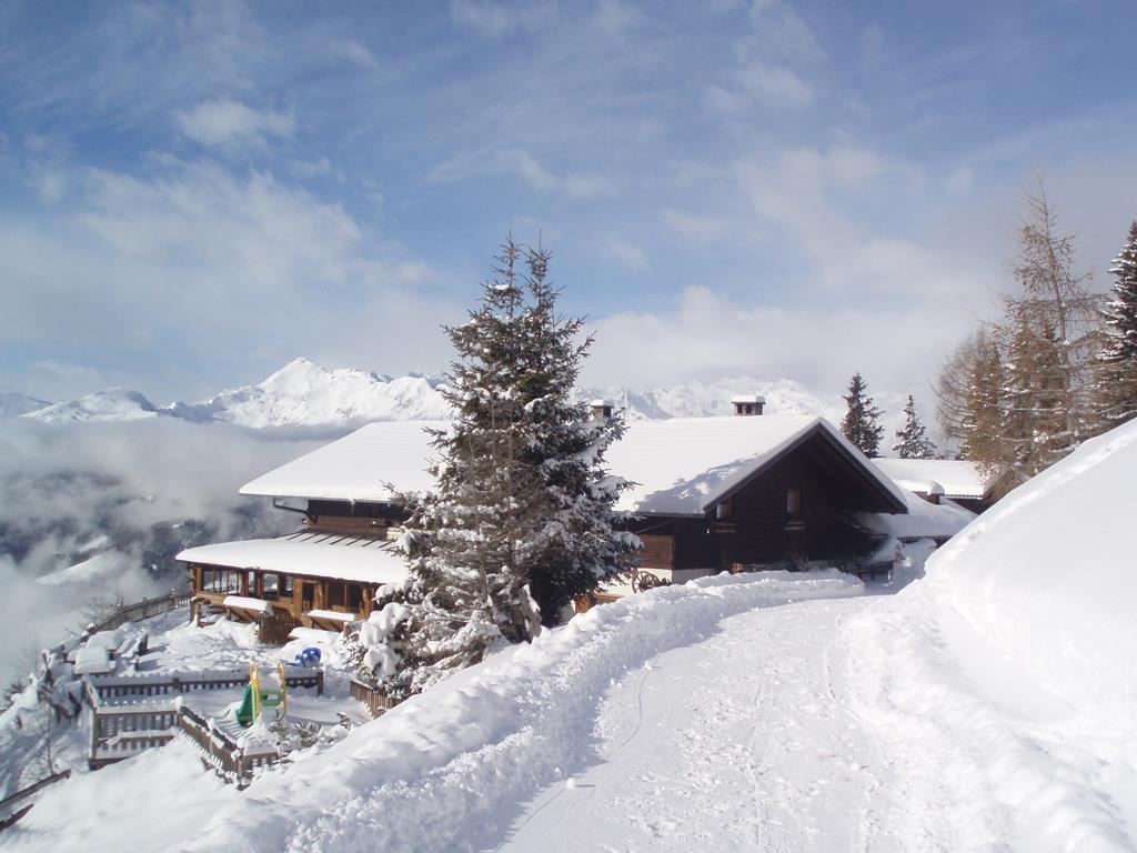 Winter hiking trail to the Prantneralm