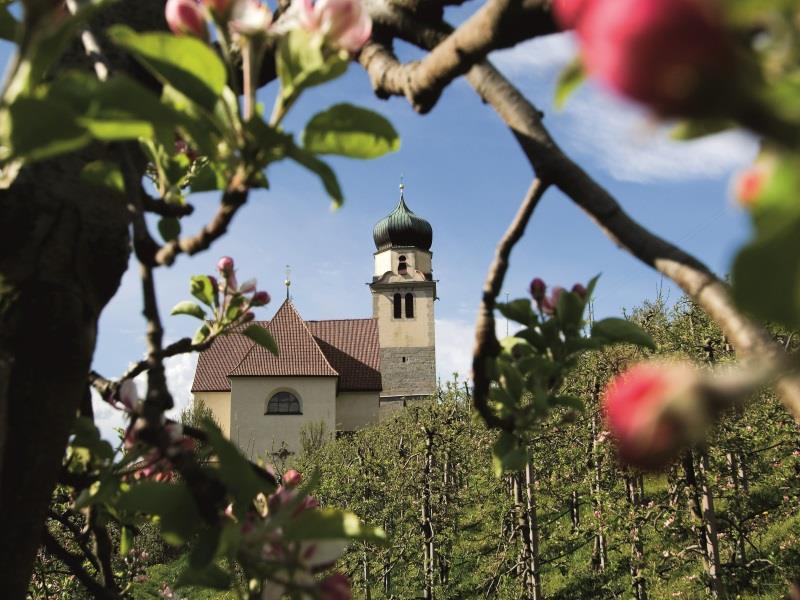 """Wallfahrtskirche """"Zu den Sieben Schmerzen Mariens"""" in Riffian"""