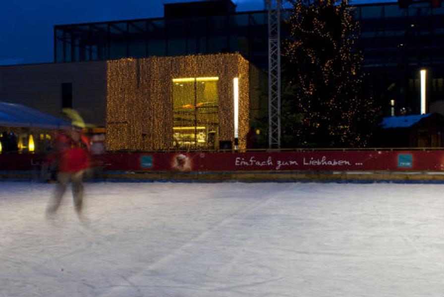 Skating rink piazza Terme