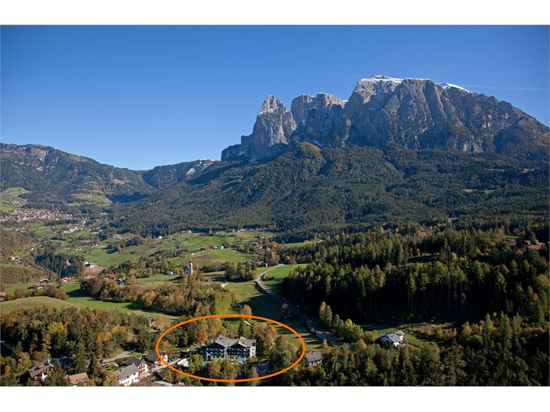 Magnificent location at the foot of the Schlern/Sciliar - Hotel Appartements Perwanger, Fié