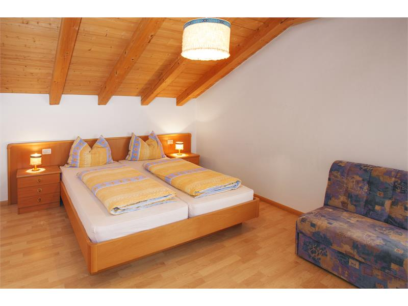 sleeping room apartment 1 and 2