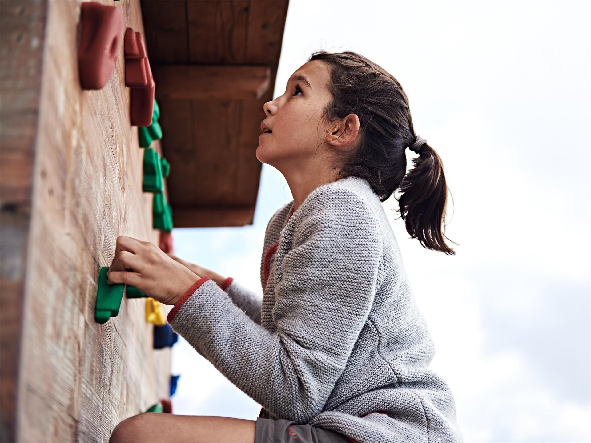 Kletterwand im Outdoor Kids Camp auf Meran 2000