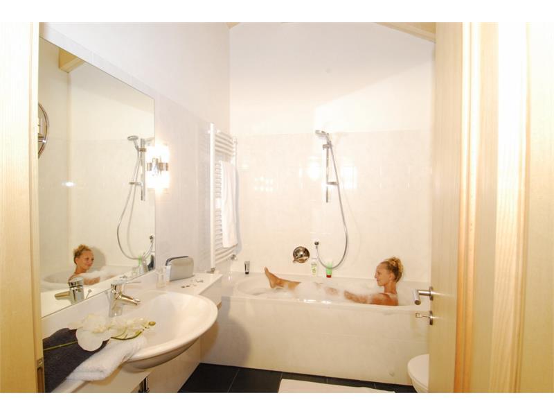 Bathroom App. Larch