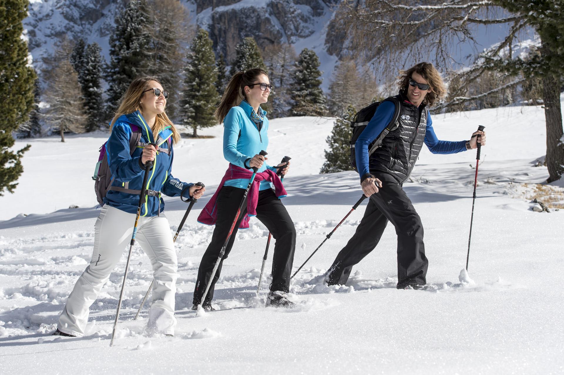 Snow-shoe walk through the Val Ciamin/Tschamintal Valley