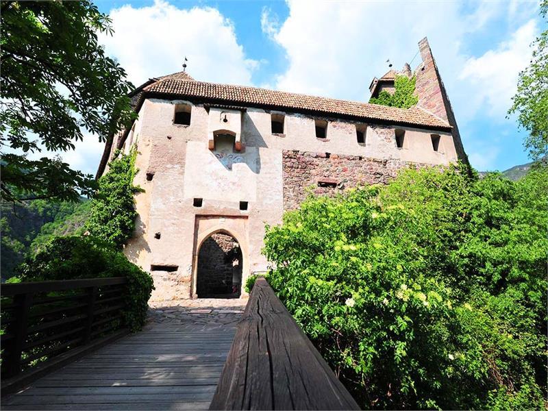 Castle trail Castle Roncolo 2 Bolzano San Genesio