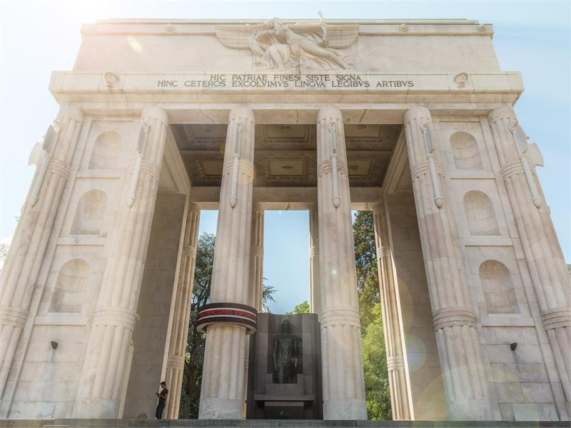 Monument to Victory