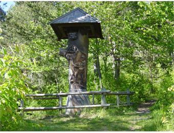 Il monumento dei cacciatori a Rasa