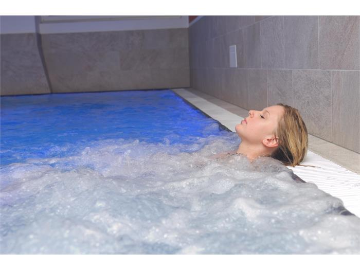 Aparthotel Viktoria Castelrotto Alpe di Siusi Dolomites new indoor pool with massage jets