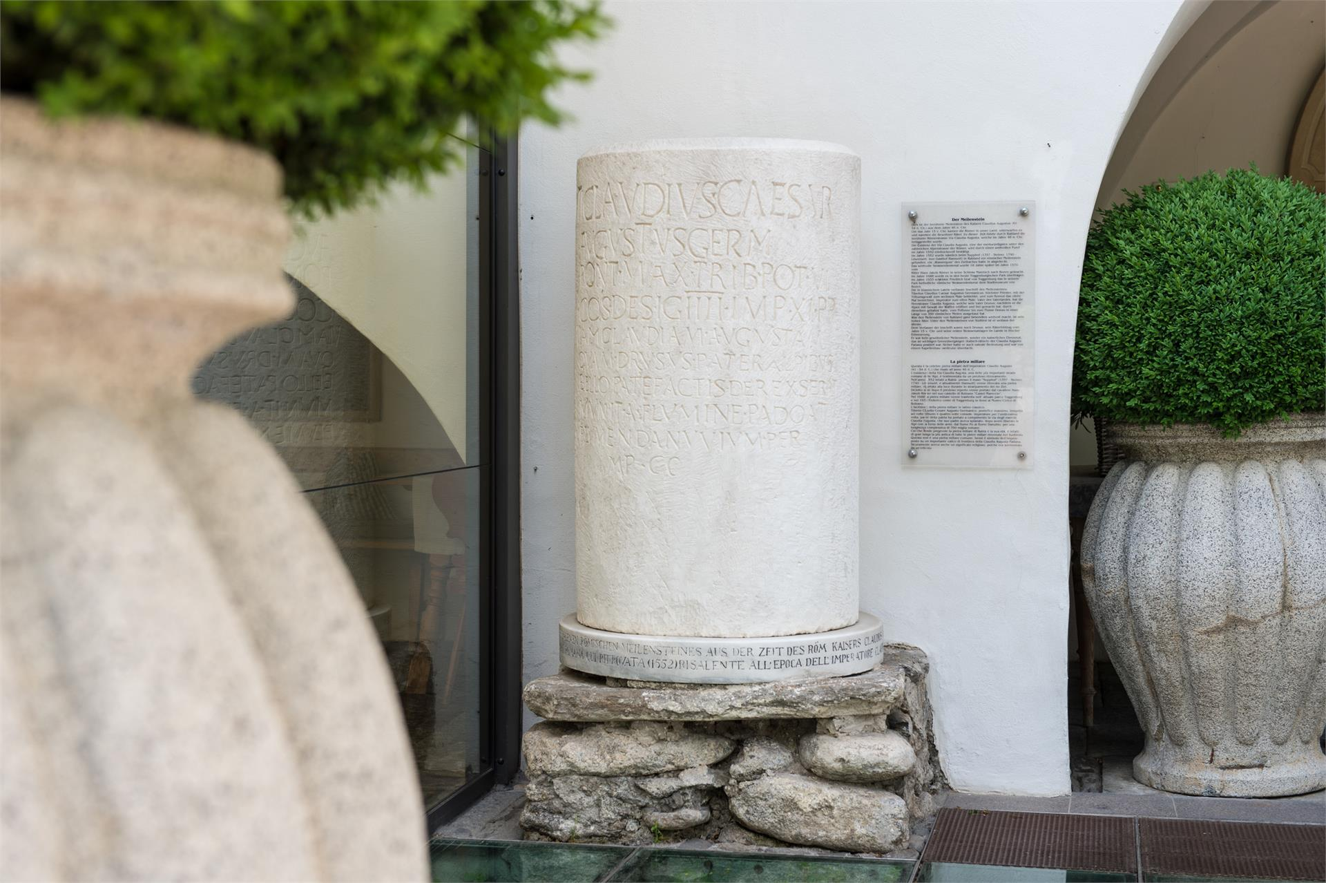 Römischer Meilenstein Der Via Claudia Augusta In Partschinsrabland