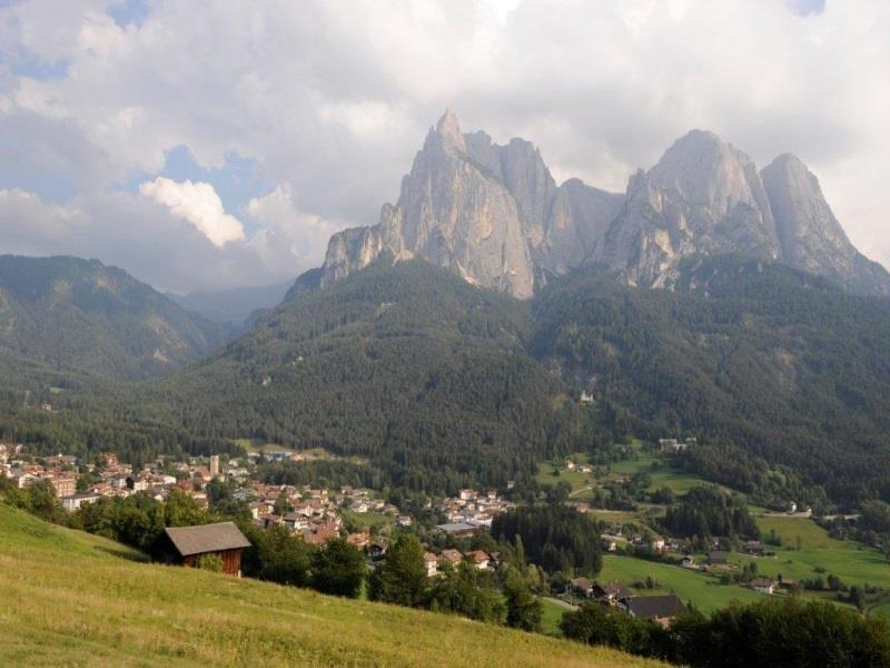 "The ""Bischofsweg"" from Siusi"