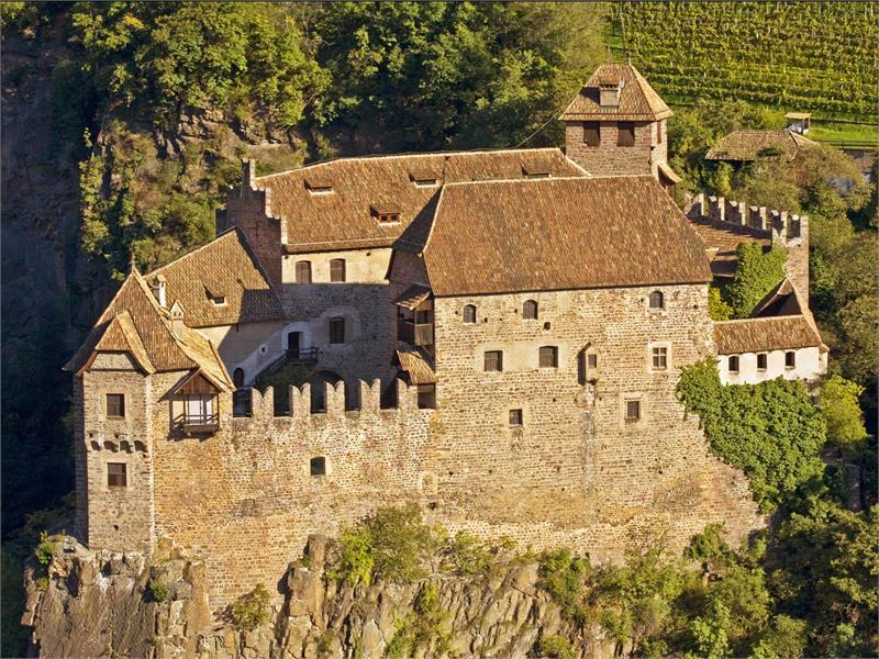 Castle trail castle Roncolo/Runkelstein Bolzano San Genesio