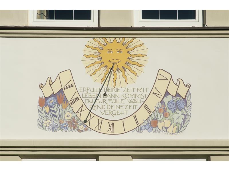Haus Luise, Nalles, orologio solare