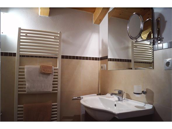 Bathroom Apartment A