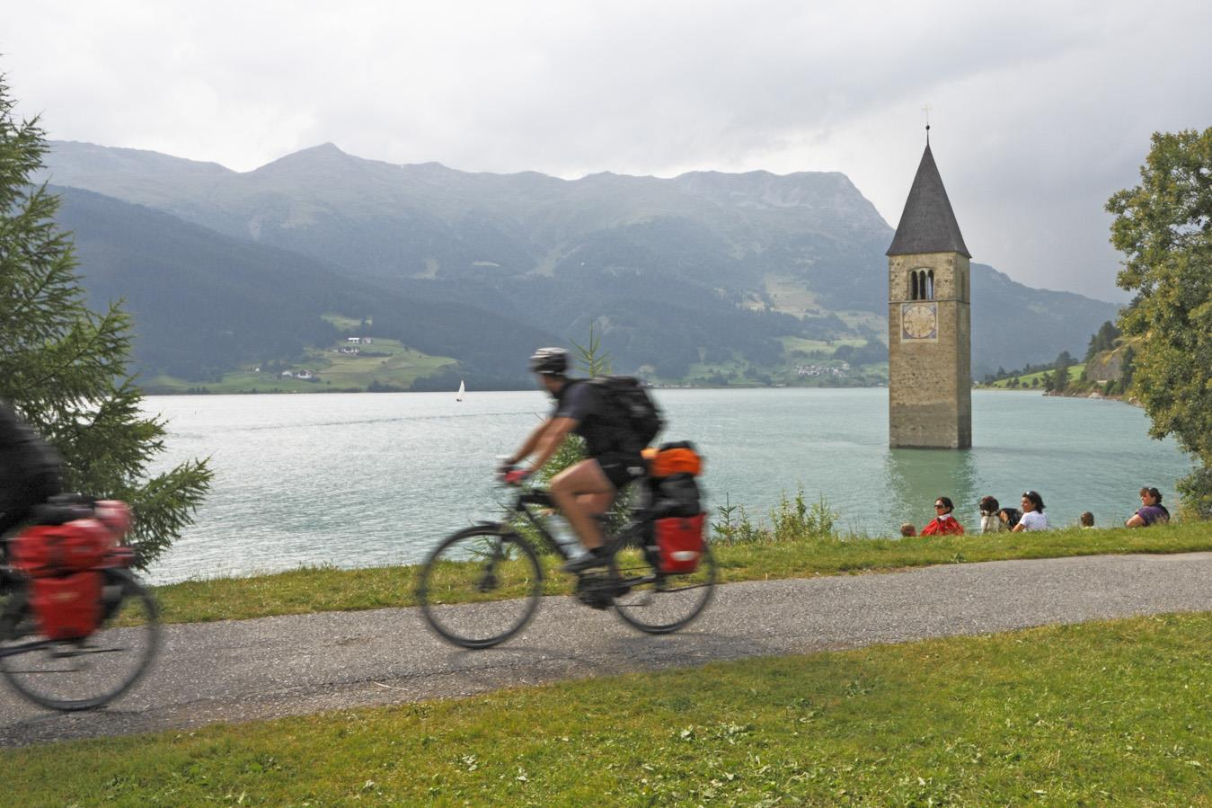 bicycletour around the lake Resia