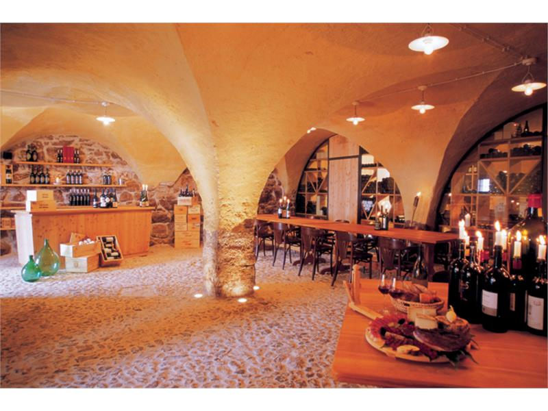 Wine Cellar with a wide range of carefully selected wines