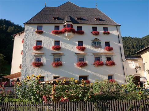 Schloss Moos und Ansitz Wiesenheim in Wiesen