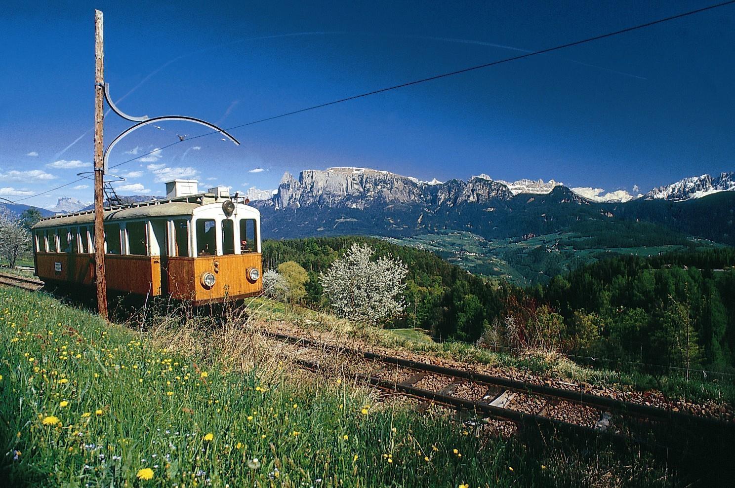 Treno del Renon