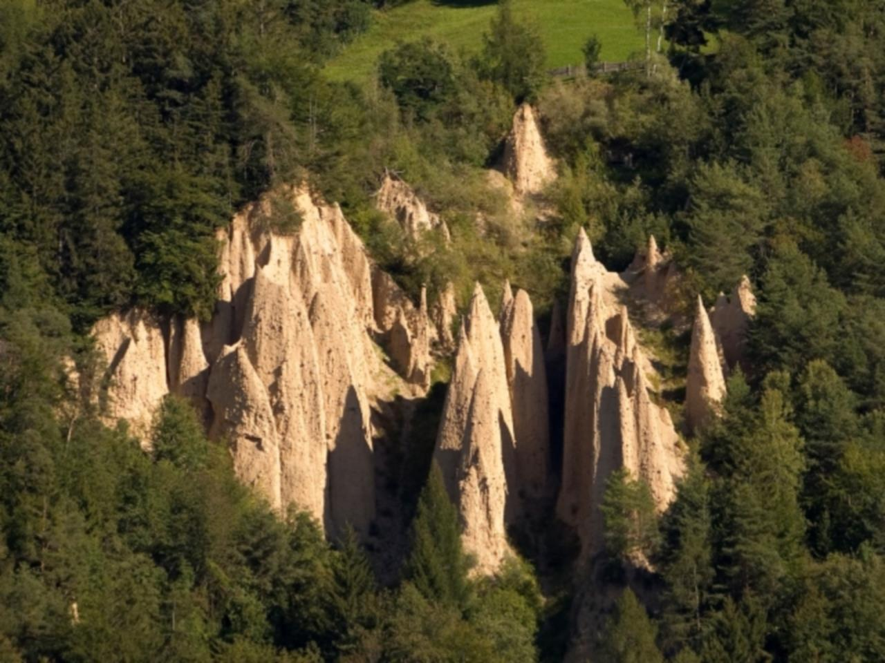 Earth pyramids of Collepietra