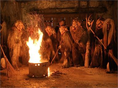 15° incontro dei Krampus con sfilata grande, in seguito grande festa