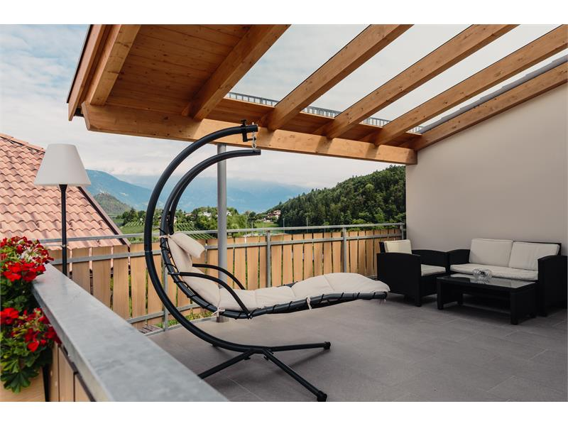 Room with terrace with view over Merano and the mountains