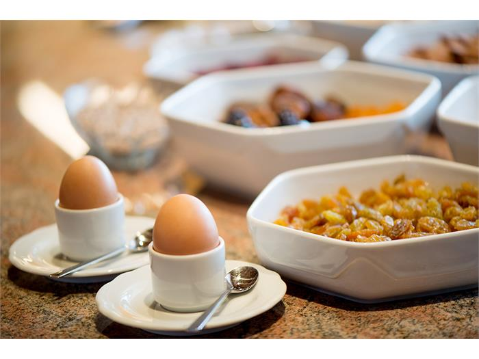 Hotel_Garni_Doris_buffet_breakfast_2