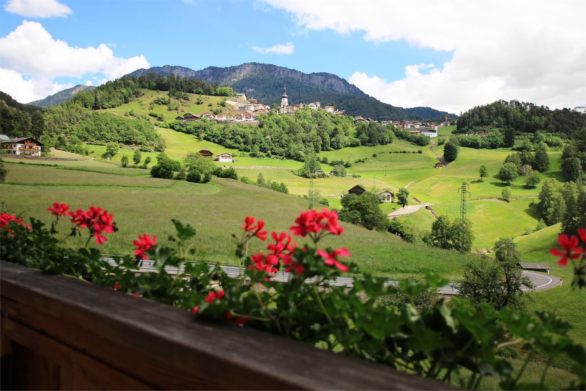 Blick vom Balkon nach Kastelruth