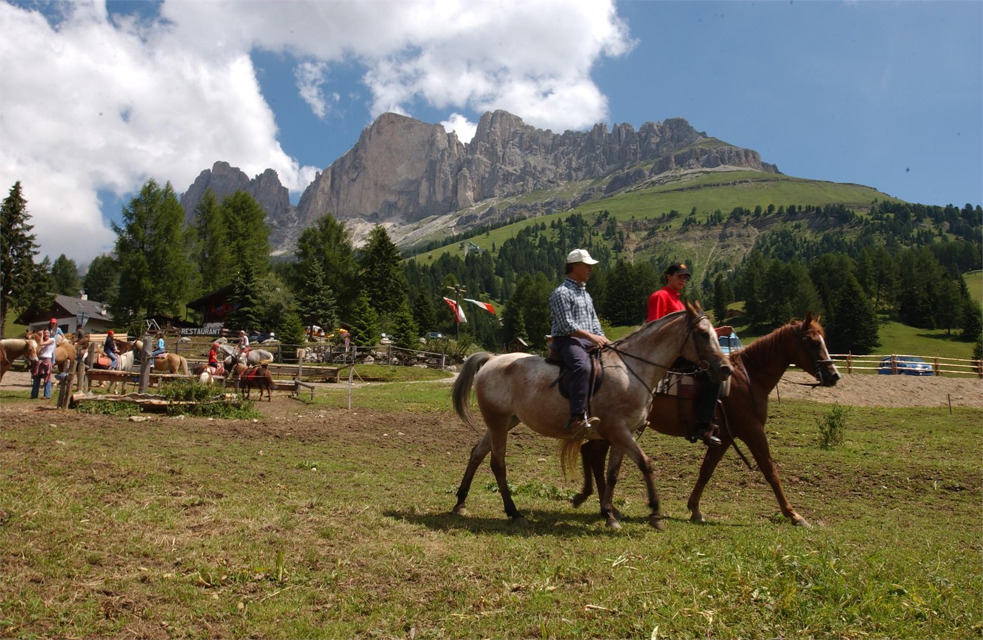 Riding stables at Zyprianhof