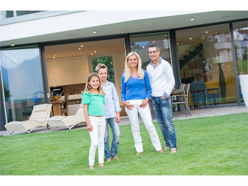 Villa Aich - Familie Hansjörg & Martina Engl mit Elisa und Hannes