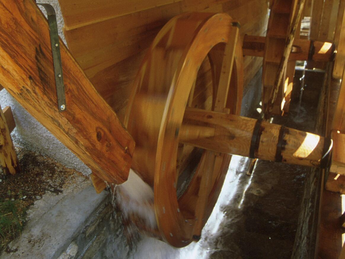 Nature and culture in the Dolomites: guided tour to the watermills
