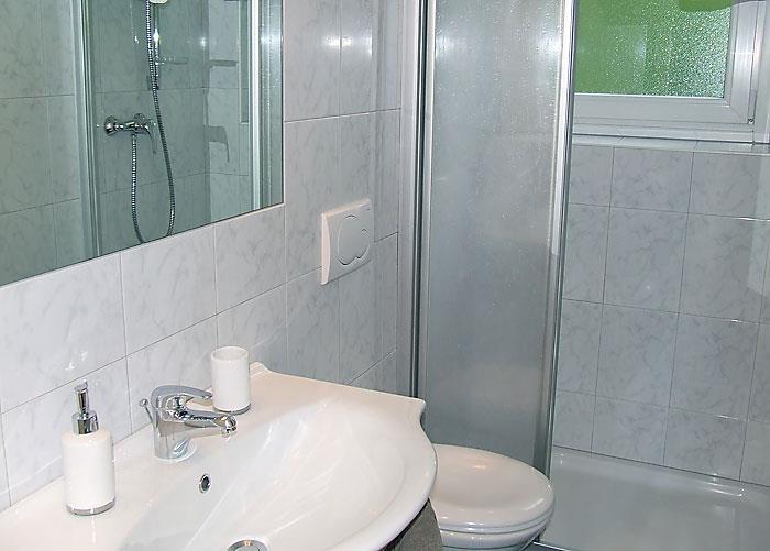Residence Gamperhof - Ferienwohnung A - Badezimmer