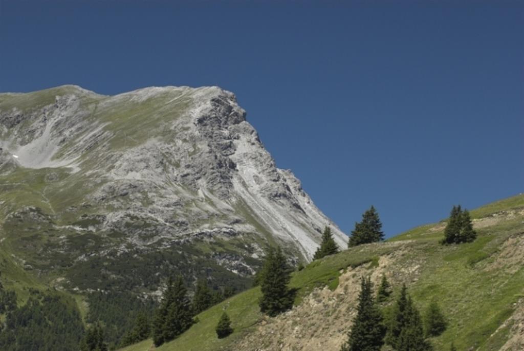 escursione in montagna sulla Cima Piz Lad