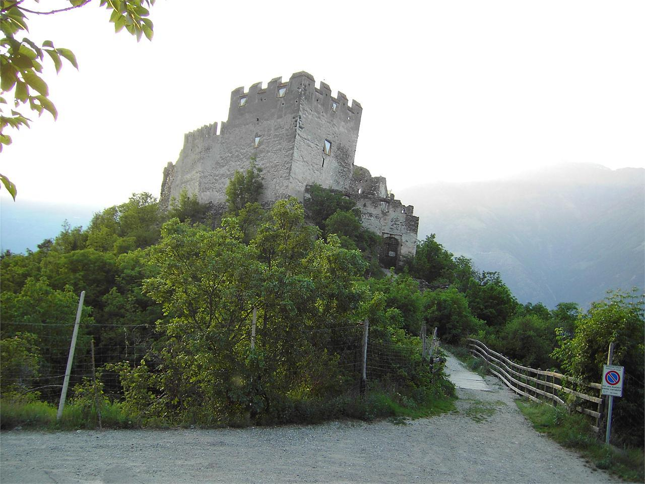 Burg Obermontani