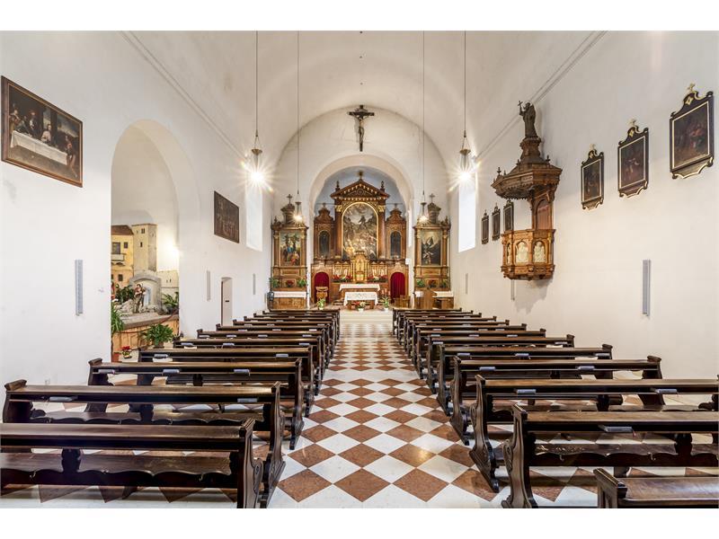 Chiesa dei cappuccini a bolzano gallo rosso for Azienda di soggiorno bolzano