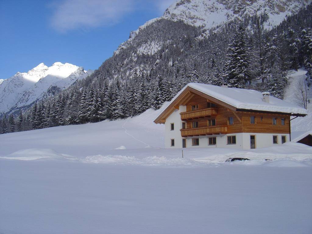 Winterimpression Fluenerhof in Pflersch