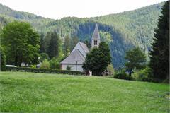 Kirche von San Lugano/Truden im Naturpark