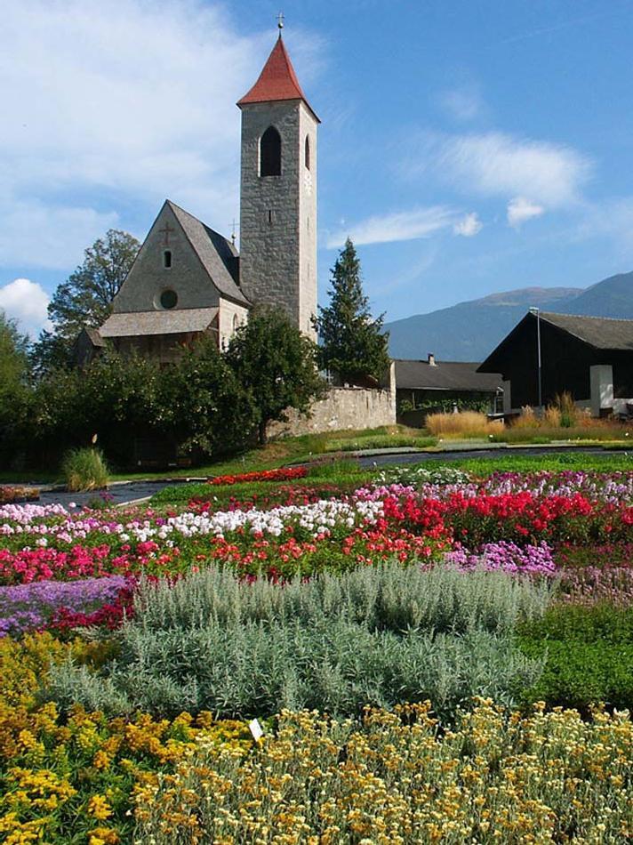 Kirche St. Clemens Tschötsch