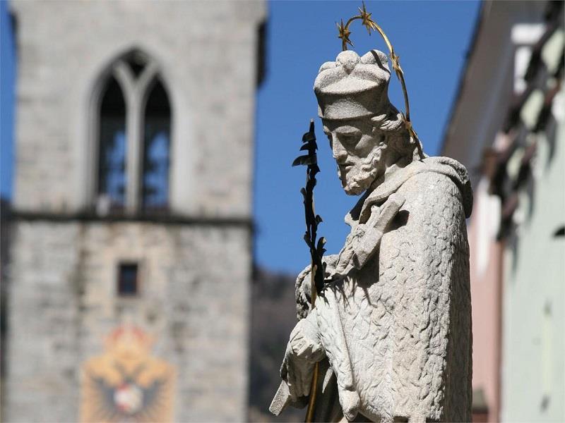 Monumento a San Giovanni Nepomuceno nella città nuova