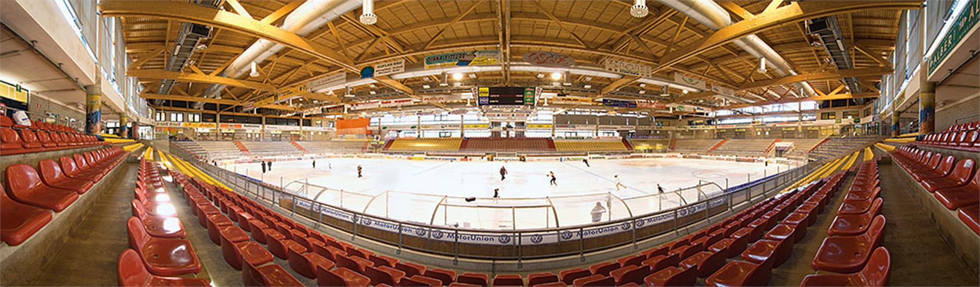 Meranarena Eishalle