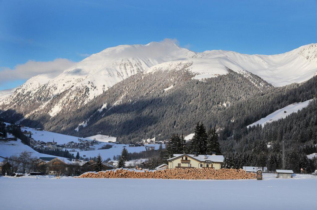 Winter walking tour in S. Martino/Valle di Casies