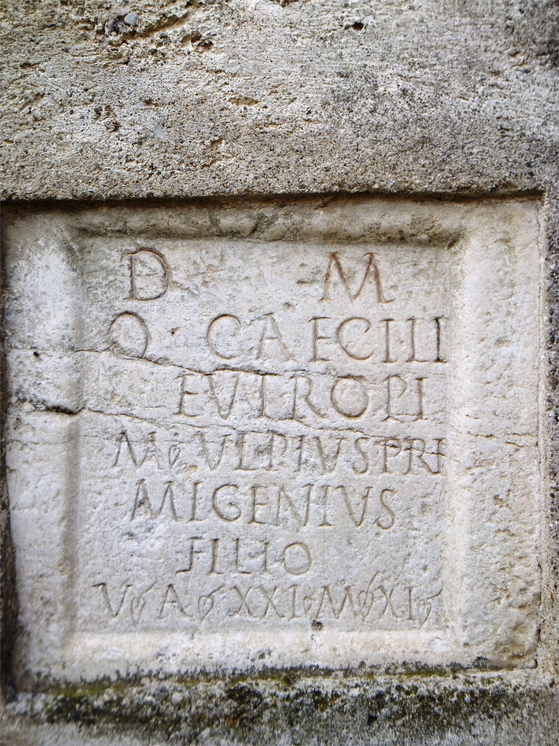 Lapide sepolcrale Romana - Via Claudia Augusta