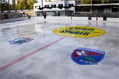Eisplatz in Auer