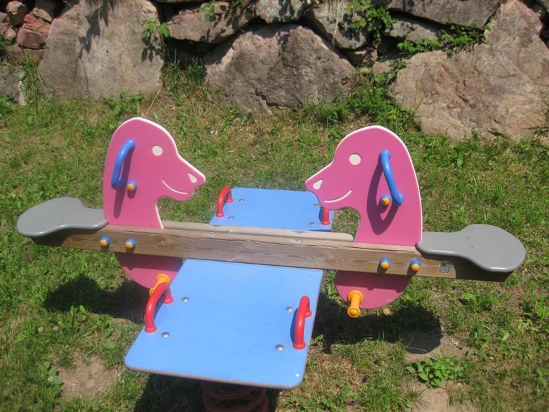 Altalena per bambini parco giochi di Frassinetto