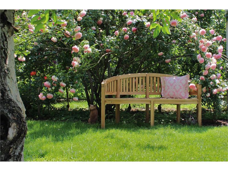 Accoglienti posti nel giardino