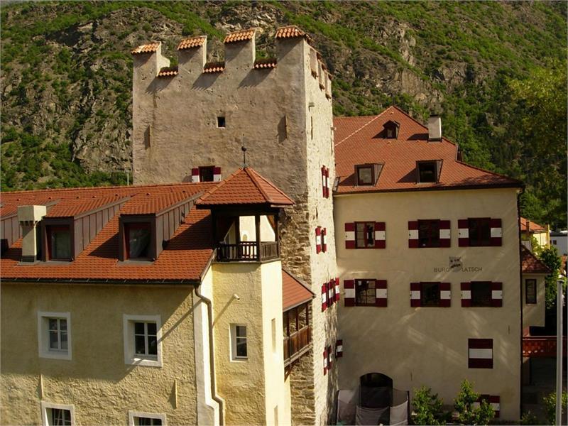 Burg Latsch