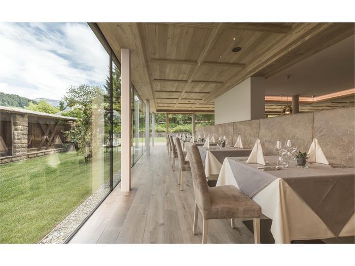 Speisesaal mit Panoramafenster