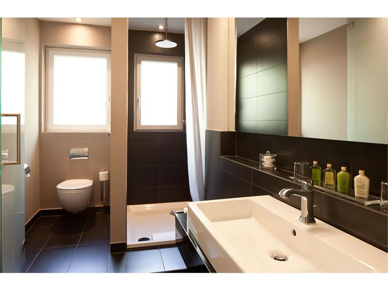 Bathroom double room standard