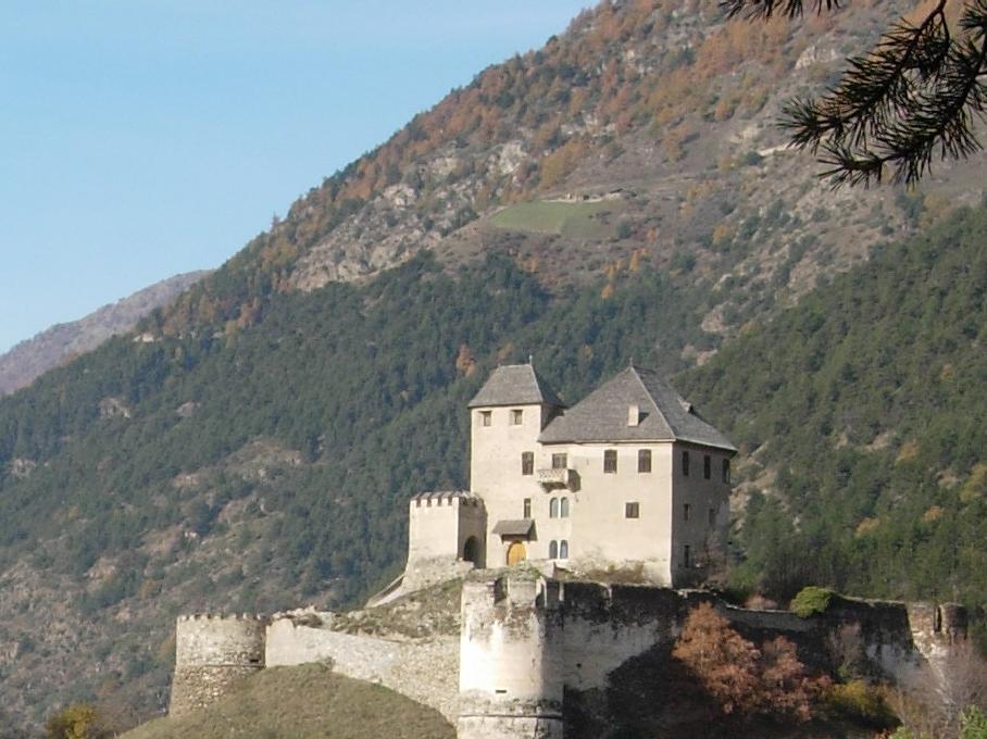 Castello Monte Sant'Anna