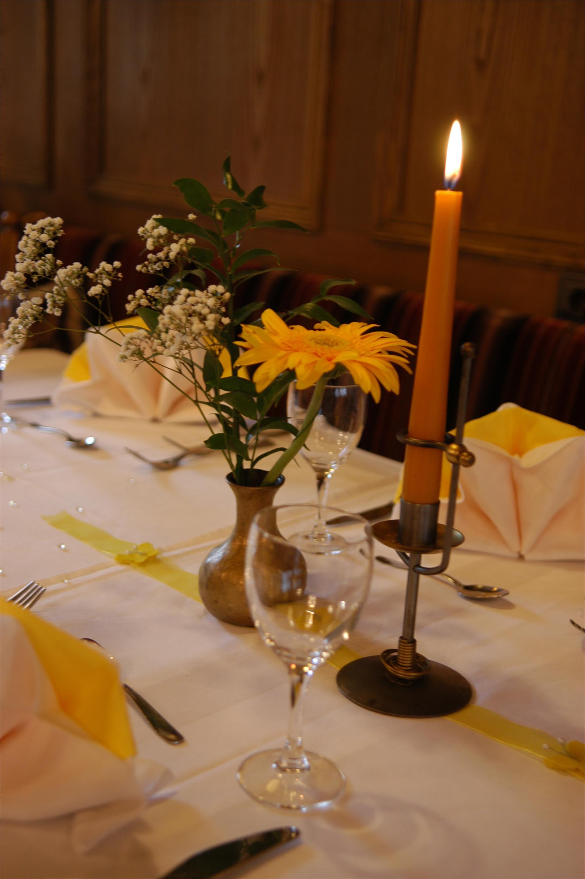 Abendessen bei Kerzenlicht
